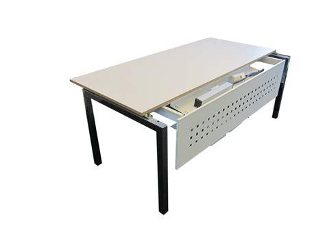 bureau avec plateau coulissant grand bureau à plateau coulissant adopte un bureau