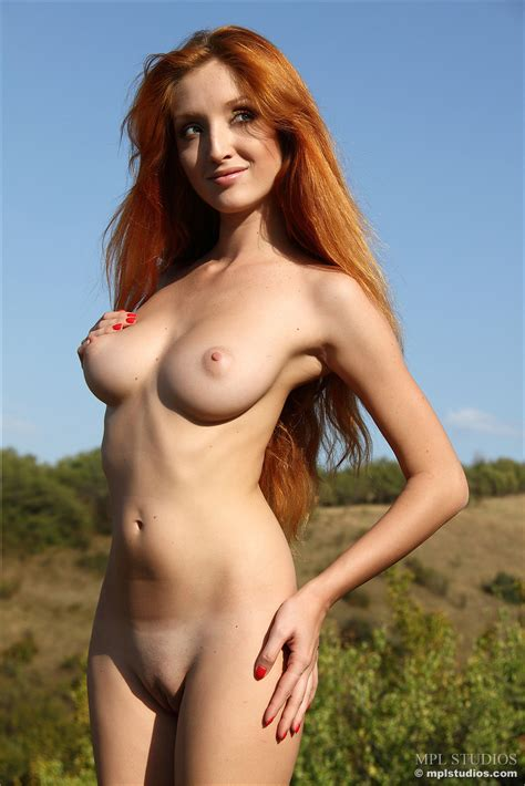 Naomi In Rolling Hills By Mpl Studios 12 Photos Erotic