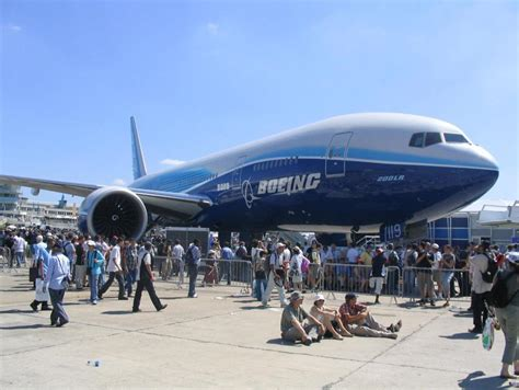 boeing 777 range commercial airplane