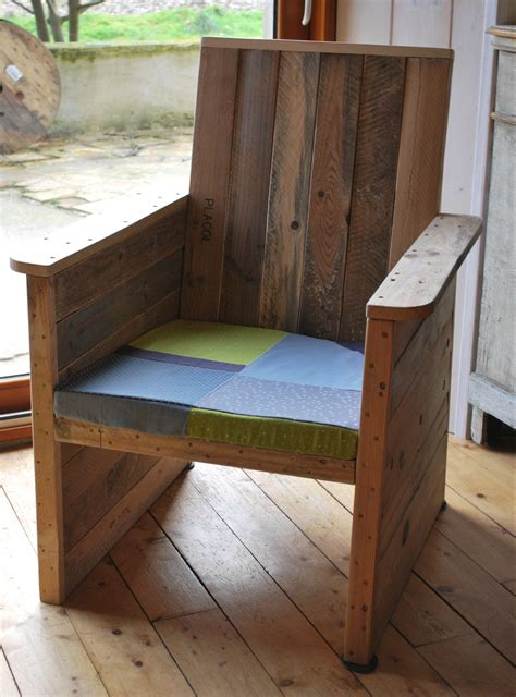 fabriquer un fauteuil de jardin en bois meilleures id 233 es