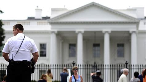 white house security secret service may soon be searching bags at checkpoints