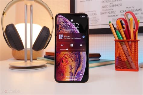 apple iphone xs max review display