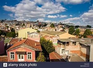 Häuser In Der Türkei : bunte h user der stadtteil sultanahmet istanbul t rkei h gel der stadt in der n he der kanal ~ Markanthonyermac.com Haus und Dekorationen