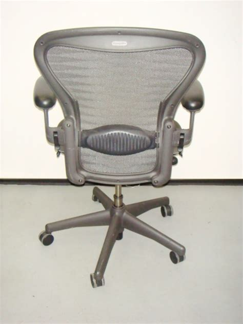 size b aeron chair tuxedo mesh used office furniture