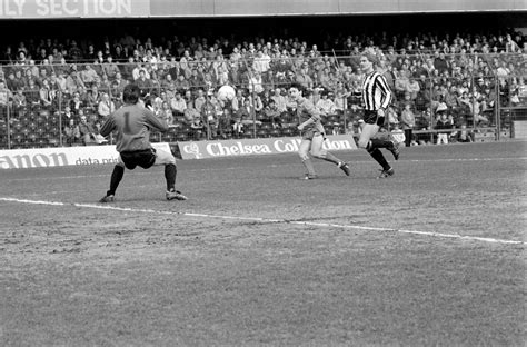 Newcastle vs Chelsea: Old photos from a footballing ...