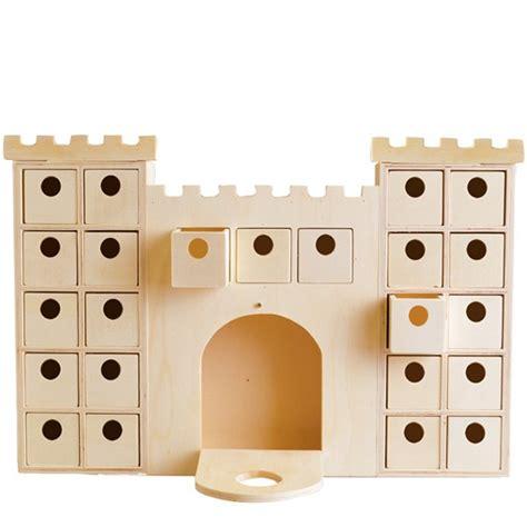 calendrier de l avent en bois chateau fort ou chateau de