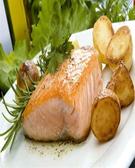pavé de saumon en papillote pav 233 s de saumon en papillote pour 4 personnes recettes 224 table