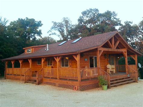 cabin rental iowa burr oak log cabin for rent in ne iowa iowa cabin rentals