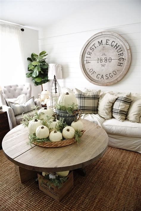 delicate fall decor ideas   upcoming autumn