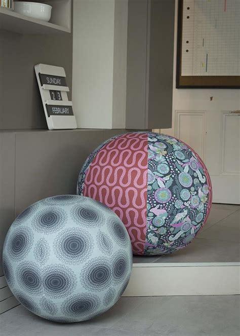 sitzball als bürostuhl stoffbezogener sitzball handmade kultur