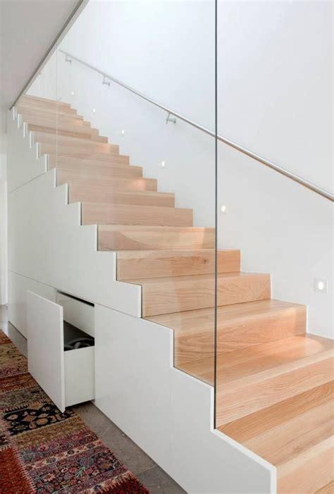 Flaechensparende Treppenformen Und Loesungen Fuer Sinnvolle Raumnutzung by Lagerung Unter Der Treppe Der Lagerung Stauraum
