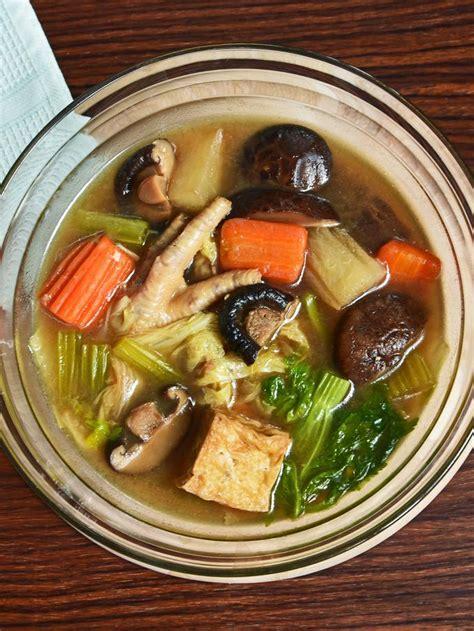 Koreksi rasa & sajikan dengan taburan bawang merah goreng. Resep Sop Ceker dan Sayuran Gurih Bikin Nagih - Lifestyle Fimela.com