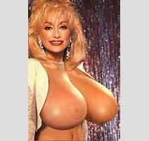 Dolly Read Nude