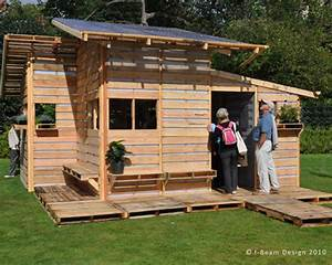 The Pallet House By I Beam Design Costs Only 75 And Uses
