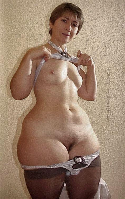 Wide Hips Granny Datawav