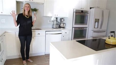 Kitchen Cabinet Ideas Small Kitchens - whirlpool white ice appliance tour gimme some oven youtube