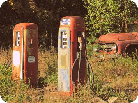 Old Gas Stations (a Few More Photos