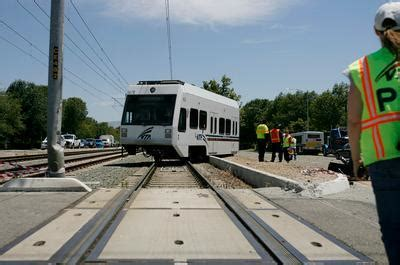 light rail san jose light rail derailed in crash in san jose the