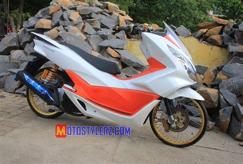 Pcx 2018 Thailook by Modifikasi Pcx 2017 Lung Bersolek Thailook Kece