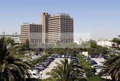 tunisair siege social tunisie siège social de la stb bank à tunis sur l 39 avenue mohamed v