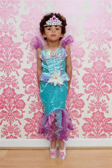boy 5 banned from church run club for wearing princess dresses metro news