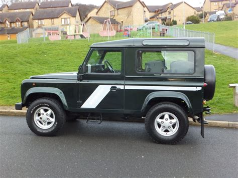 land rover defender tdi land rover defender 90 2 5 tdi 300 county station wagon 7
