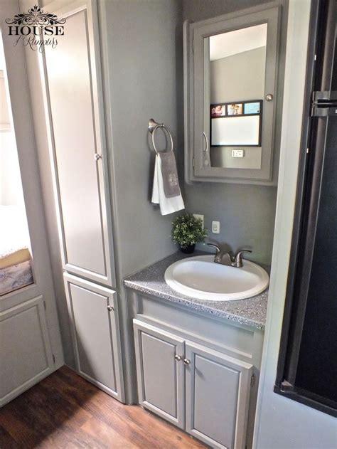 5th Wheel, bathroom, camping, countertop paint, epoxy