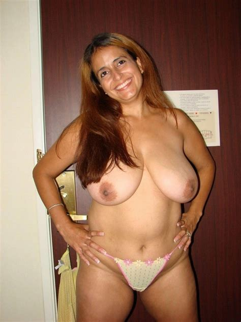 amateur nude latina mom