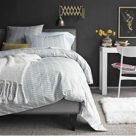 30 Dramatic Bedroom Ideas Decoholic