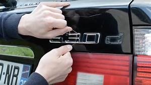 Nettoyer Vitre Voiture : comment enlever les badges monogrammes autocollants ~ Mglfilm.com Idées de Décoration