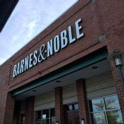 barnes and noble worcester barnes noble 27 photos 30 reviews book shops 1