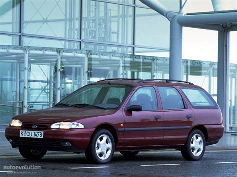 ford mondeo wagon specs