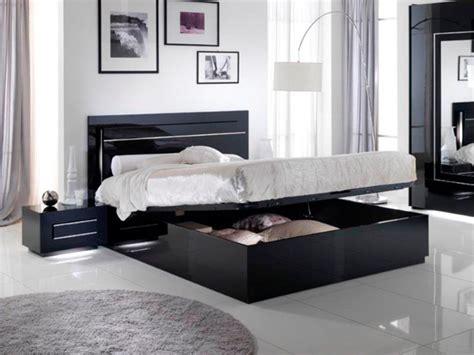 chambre a coucher noir lit avec coffre de rangement city laque noir chambre à