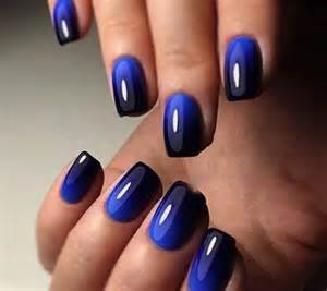 Navy blue ombre nail art