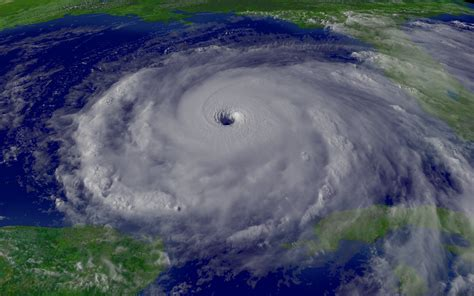 What Is The Difference Between Hurricanes And Midlatitude