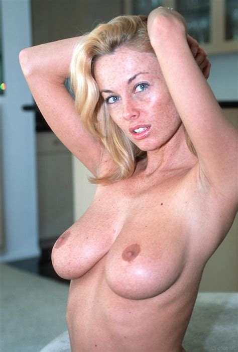 In Gallery Blonde MILF Hot Sexy Perfect Body Picture Uploaded By RoNarcis On