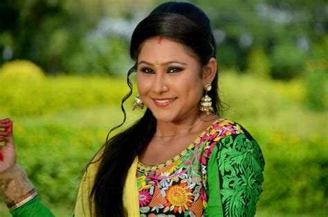 bhojpuri actress wallpapers latest bhojpuri heroine hot