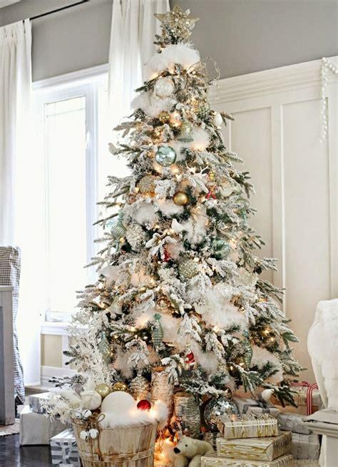 white furry fluffy christmas trees 193 rvores de natal decoradas decora 231 227 o e ideias