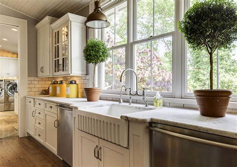farmhouse kitchen cabinets door styles colors ideas