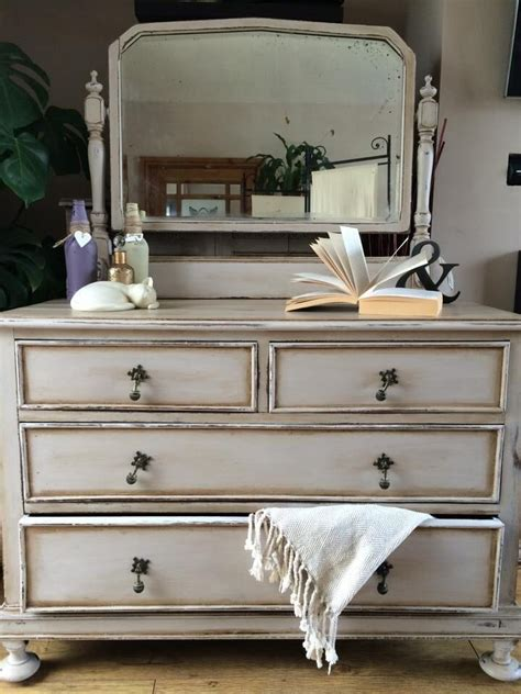 annie sloan old white with french linen chalk paint