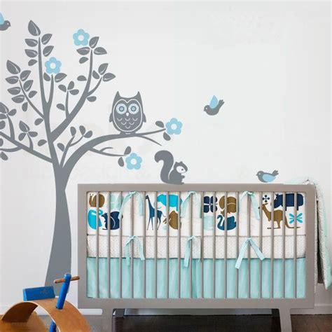 arbre déco chambre bébé les 25 meilleures idées concernant stickers muraux arbre