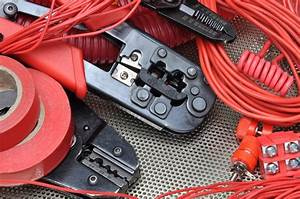 How To Use A Wire Crimping Tool