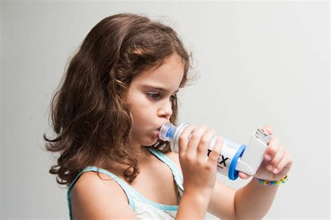 chambre d inhalation aerochamber médicament par inhalation mon enfant est malade
