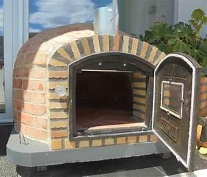 four a bois rustique pour jardin exterieur et interieur With four a pizza a bois exterieur