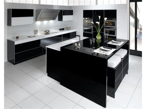 meuble cuisine porte coulissante douze cuisines avec îlot central douze ambiances
