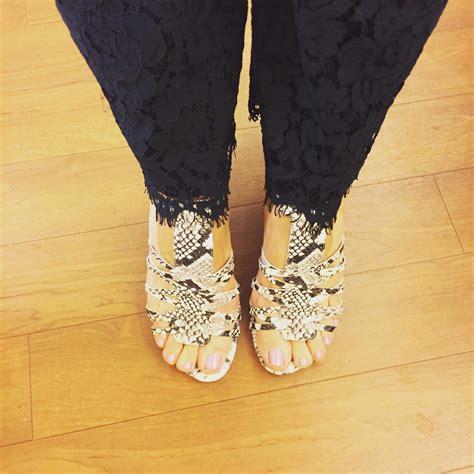 jennifer coffey feet soles toes  celebrities
