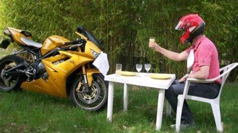 comment vendre sur le bon coin leboncoin l annonce loufoque d un homme bris 233 pour vendre sa moto