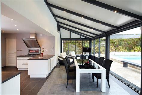 veranda extension cuisine une surface doublée
