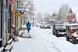 Another snow storm hits Western U.S.