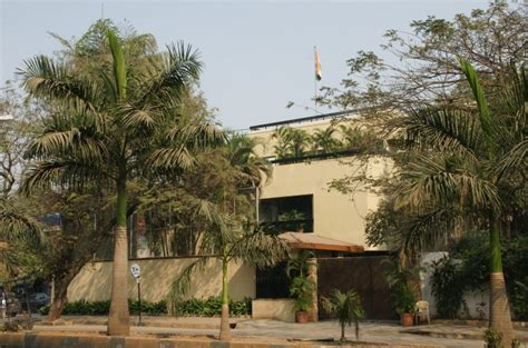 Amitabh Bachchan's House— This Is How The 'white House' Of